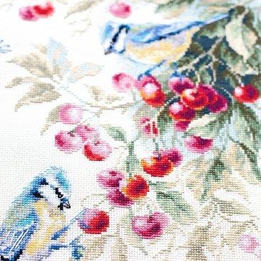 Чудесная игла вишня ткань с бабочками купить